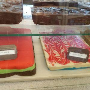 CAKES/CHEESECAKES